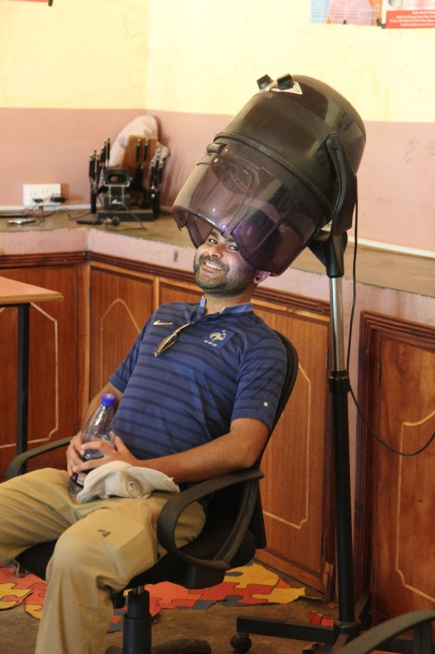 kelvin-under-hair-dryer